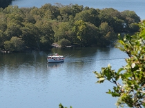 Click for a closer view of pleasure boats on Llyn       Padarn
