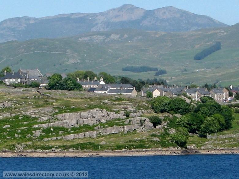 Enlarged picture of Trawsfynydd and the Arenigs