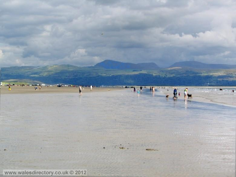 Enlarged picture of Morfa Bychan Beach