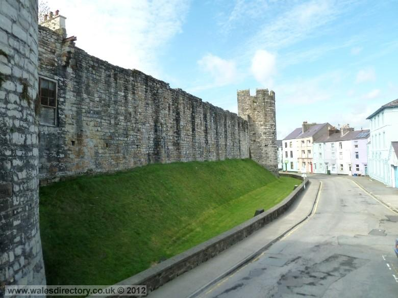 Enlarged picture of Caernarfon Town Walls