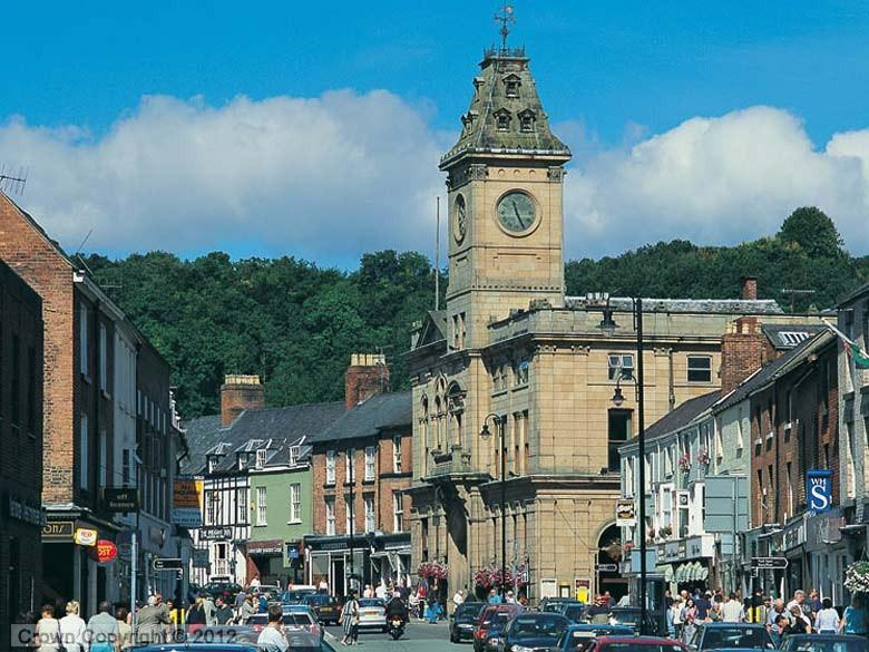 Enlarged picture of Welshpool Town Hall