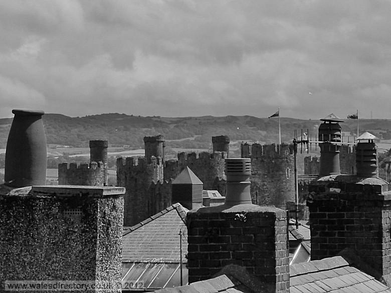 Enlarged picture of Of Chimney Pots and Castles