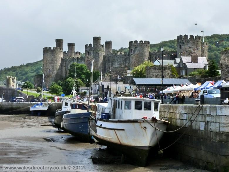 Enlarged picture of Conwy Castle and Quayside