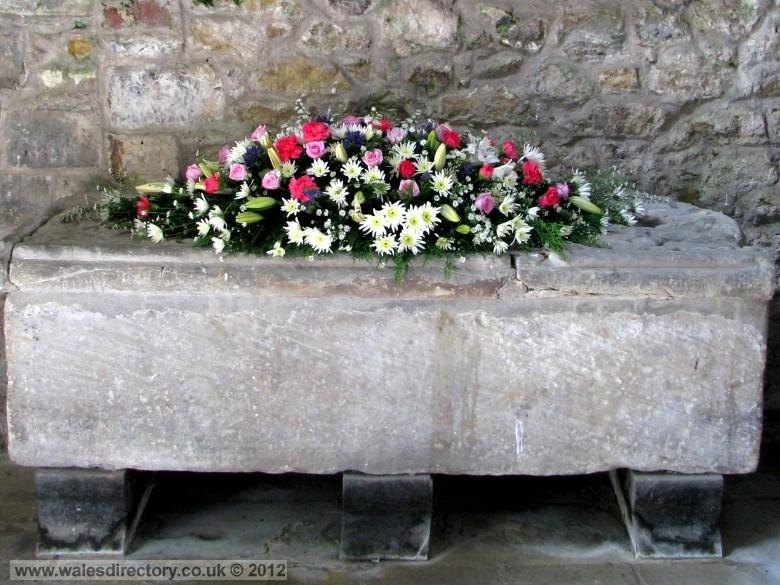 Enlarged picture of Coffin of Joan Wife of Llywelyn the Great