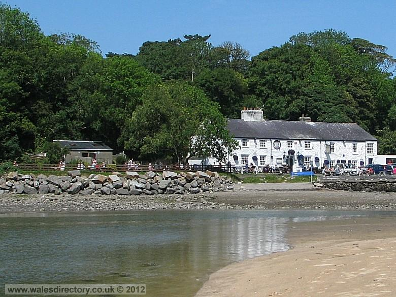 Enlarged picture of Pub on the Beach